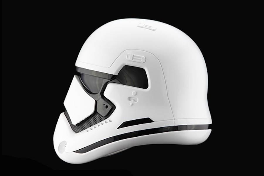StormTrooper-Helmet-3-900x600