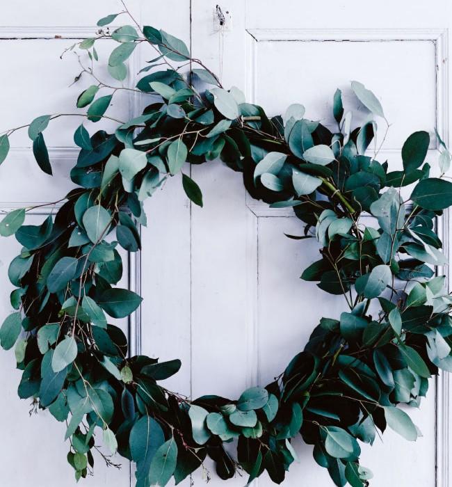 gum-leaf-wreath-photo-mark-roper-
