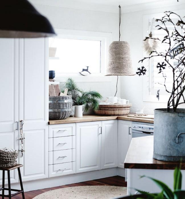 white-kitchen-photo-mark-roper