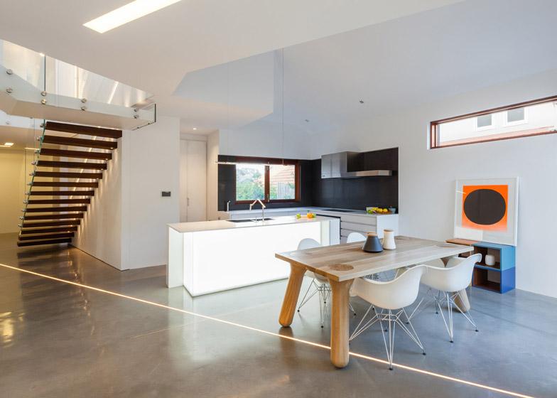 Naremburn-House-by-Bijl-Architecture_dezeen_784_6