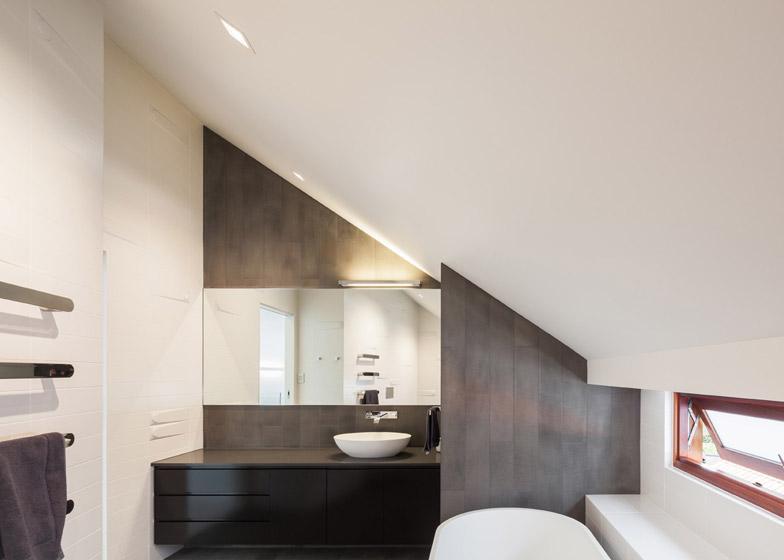 Naremburn-House-by-Bijl-Architecture_dezeen_784_7