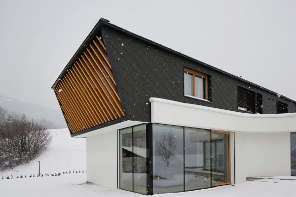house-rožnik-exterior-4