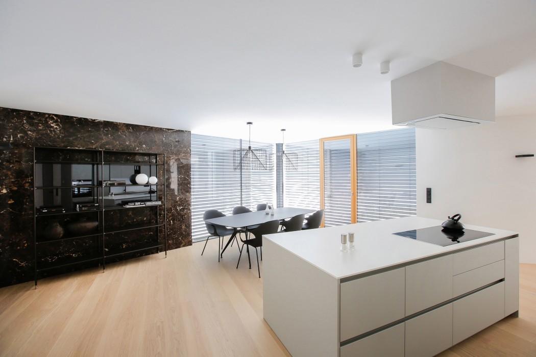 house-rožnik-interior-11