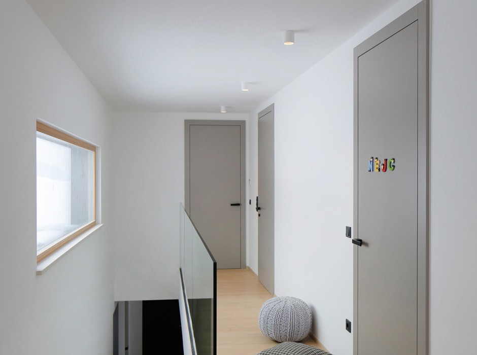 house-rožnik-interior-4-940x1409