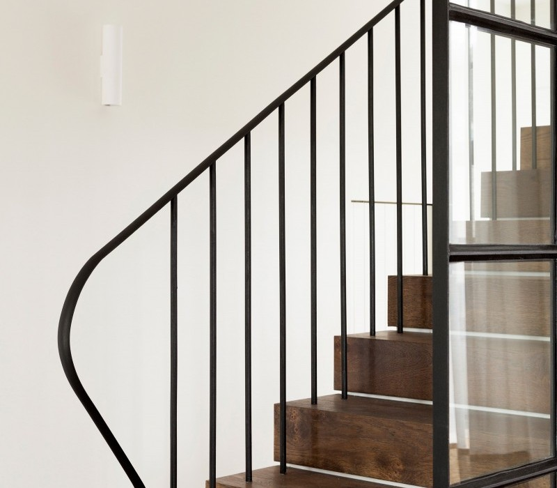 Luigi-Rosselli-Architects-Balancing-Home-010-800x1067