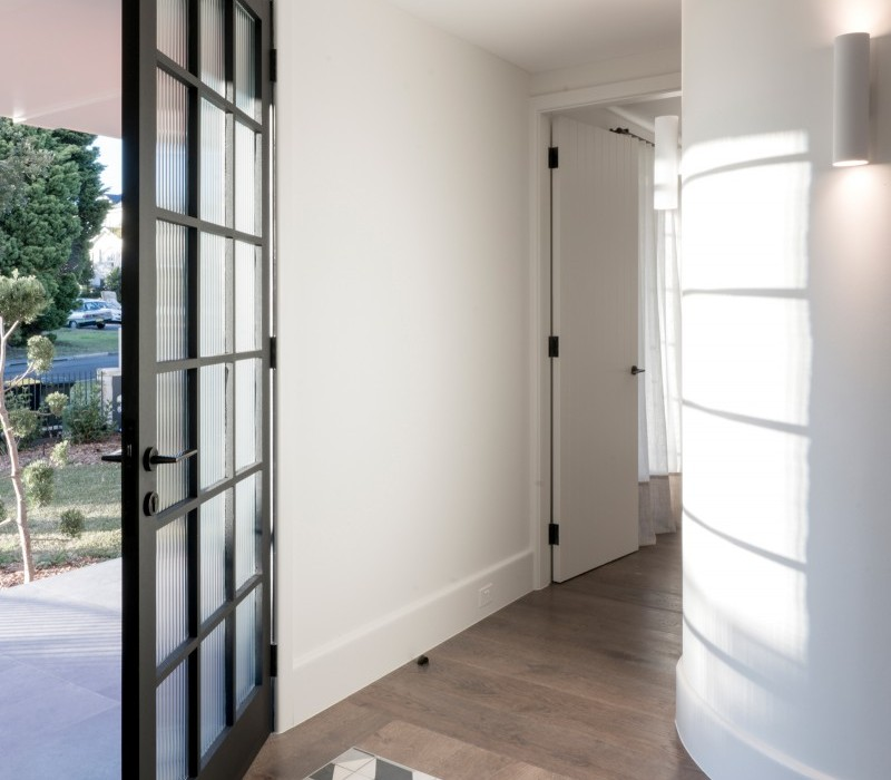 Luigi-Rosselli-Architects-Balancing-Home-013-800x1027