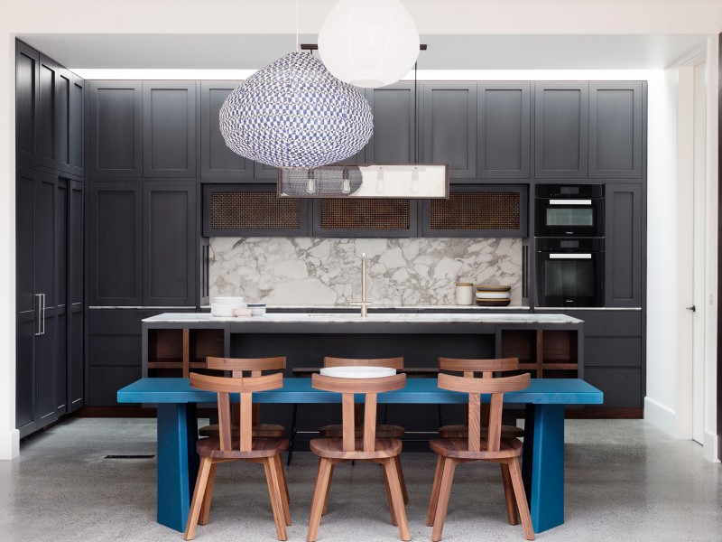 Luigi-Rosselli-Architects-Balancing-Home-018-800x600