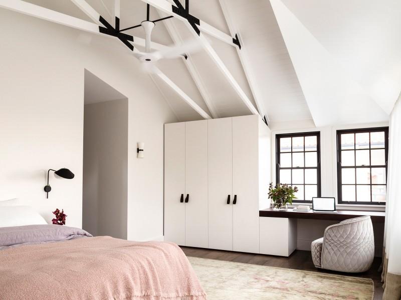 Luigi-Rosselli-Architects-Balancing-Home-021-800x600