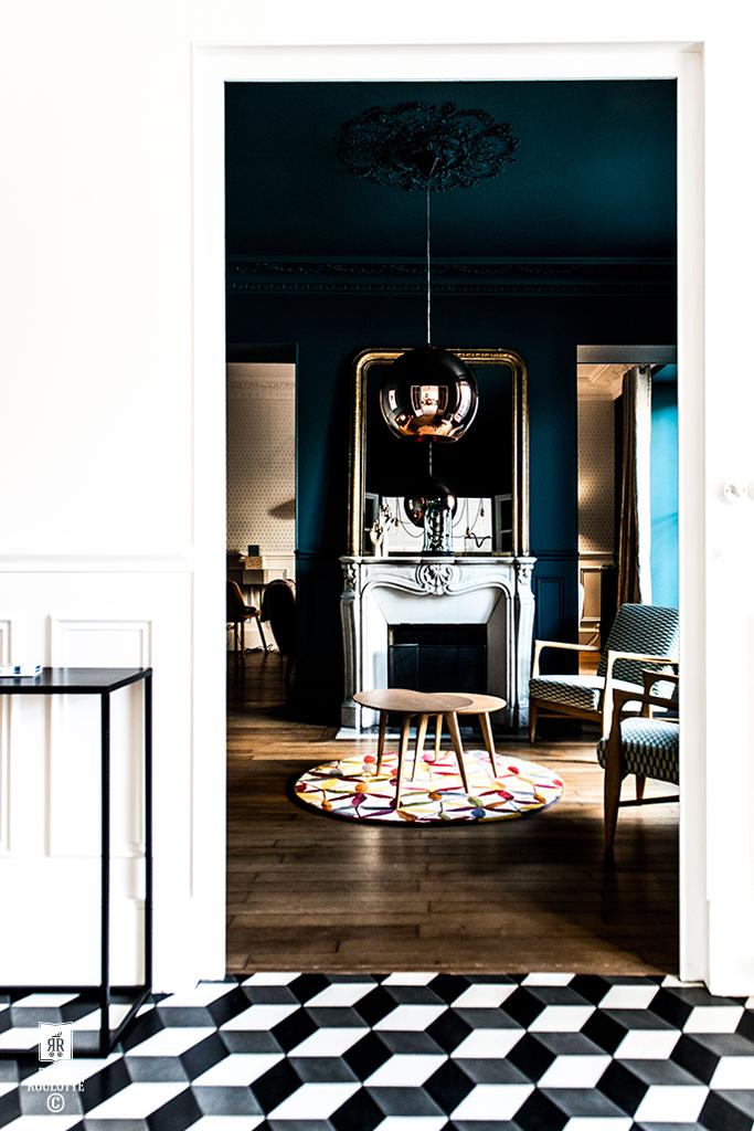 Maison fontainebleau by royal roulotte design for Salon renovation