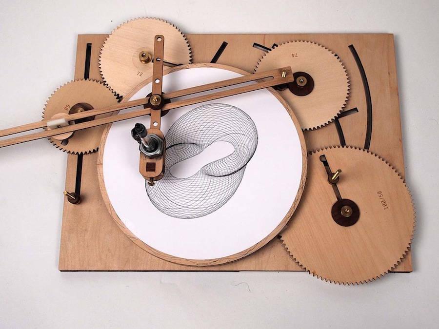 ingeniousgeometricdesignswithadrawingmachine-1-900x675