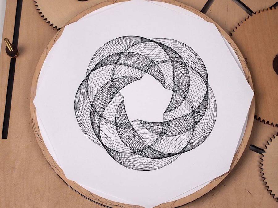 ingeniousgeometricdesignswithadrawingmachine-2-900x675