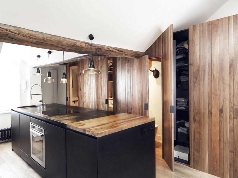 Saint-Paul-Apartment-18th-Century-Paris-Loft-Renovated-with-Eclectic-Charm-17