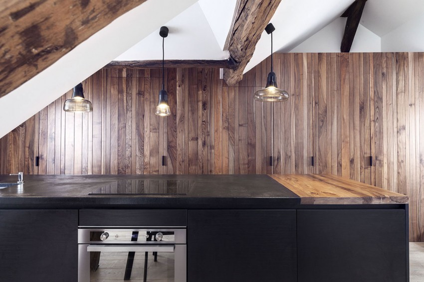 Saint-Paul-Apartment-18th-Century-Paris-Loft-Renovated-with-Eclectic-Charm-7