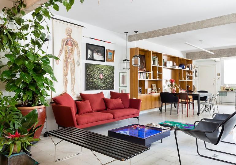 Stylish-Brazilian-Flat-Displaying-an-Inspiring-Eclectic-Design-19