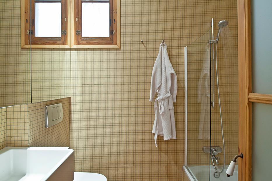 Enric-Granados-apartment-Barcelona-www.homeworlddesign.-com-15
