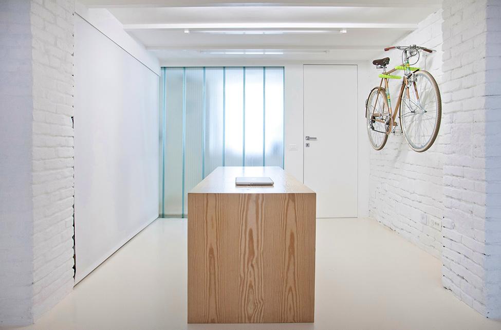 Small-studio-apartment-design-R3Architetti-www.homeworlddesign.-com-2