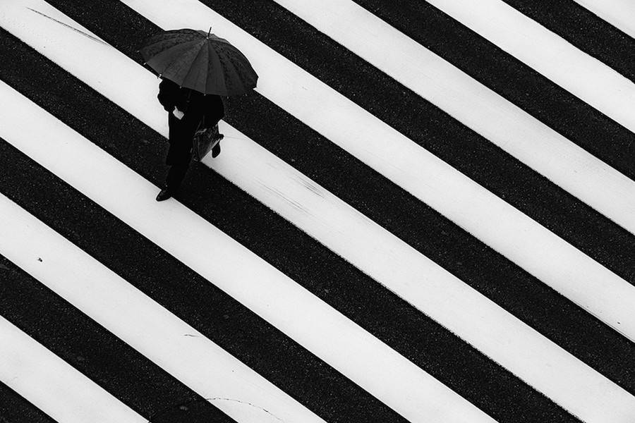 Wandering-the-Empty-and-Quiet-Streets-of-Tokyo14-900x600