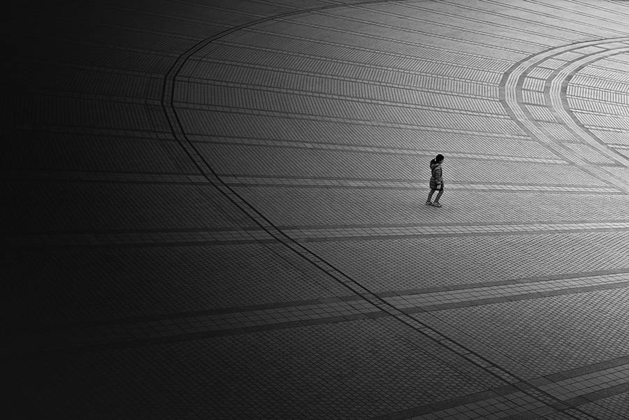 Wandering-the-Empty-and-Quiet-Streets-of-Tokyo6-900x601