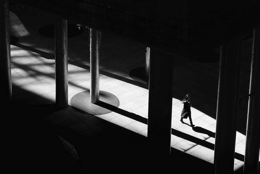 Wandering-the-Empty-and-Quiet-Streets-of-Tokyo8-900x601