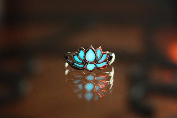 glowinthedarkjewelry1-900x669