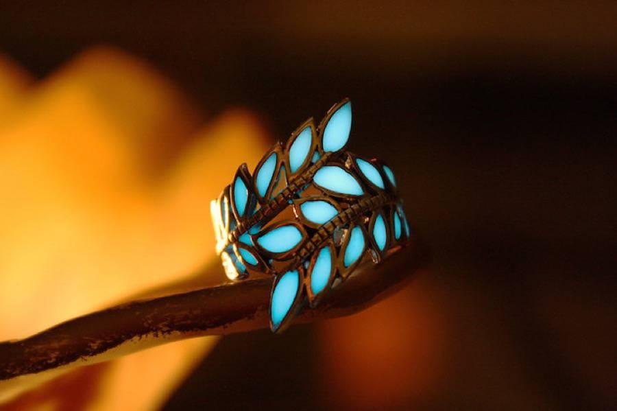 glowinthedarkjewelry7-900x599