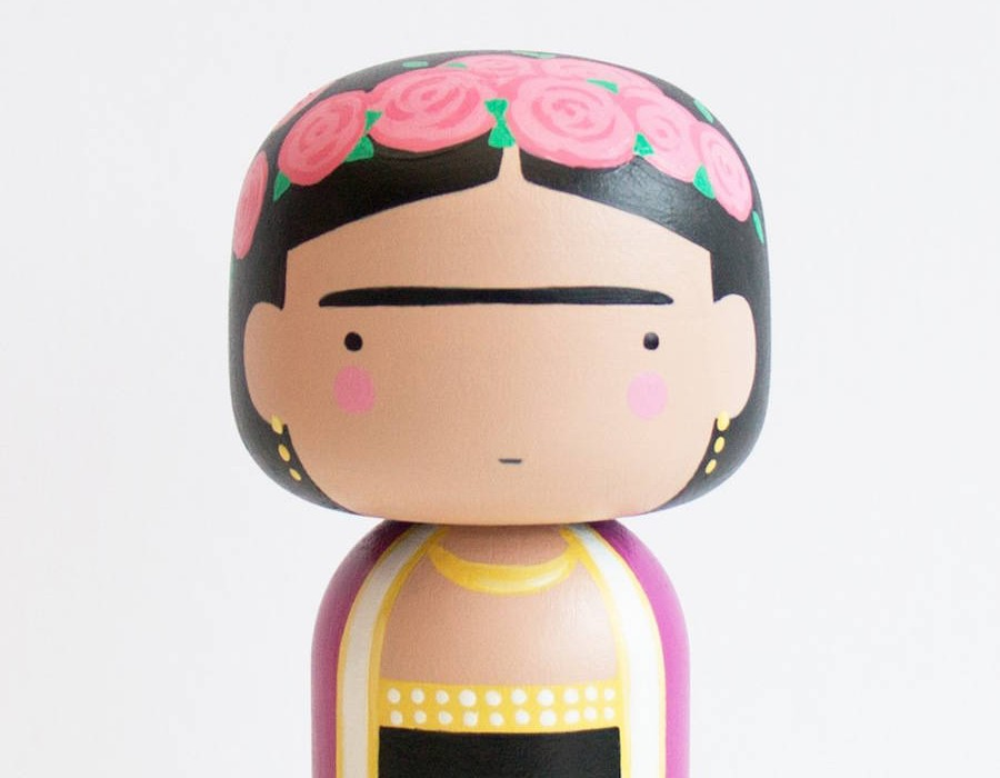 Pop-Icons-Turned-Into-Nice-Kokeshi-Dolls3-900x900