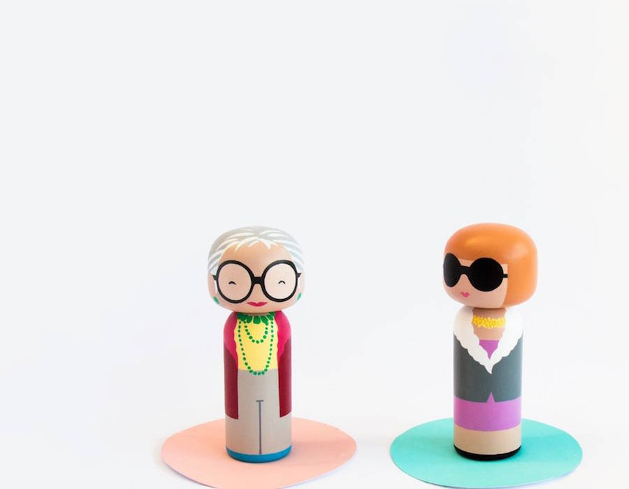 Pop-Icons-Turned-Into-Nice-Kokeshi-Dolls5-900x900