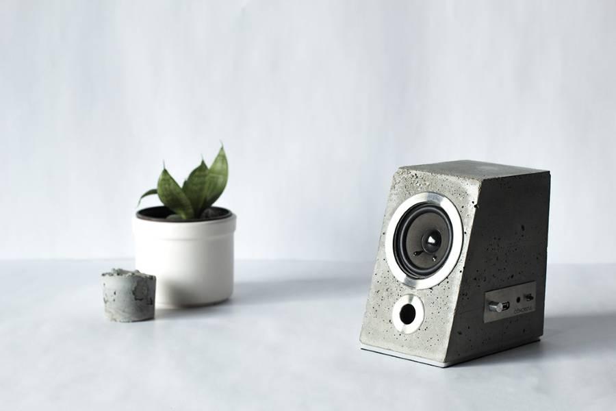 concretespeaker1-900x600