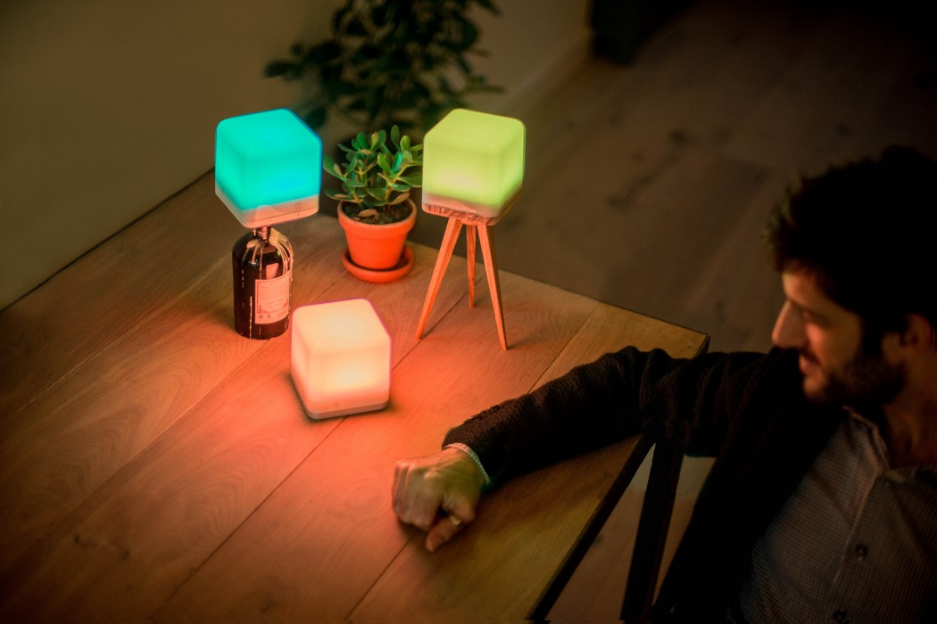 lucis-wireless-lamp-mood-table2560x1709