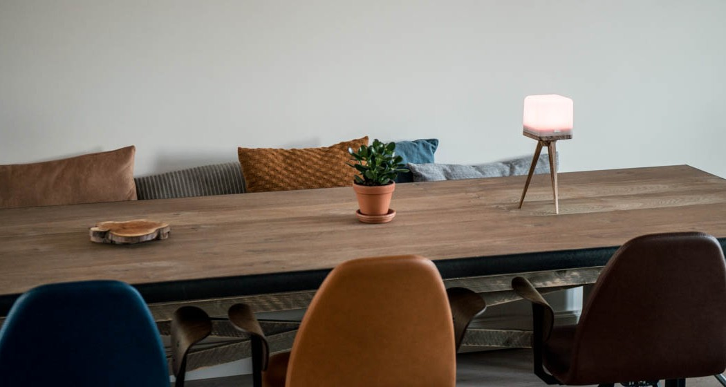 lucis-lamp-table-3