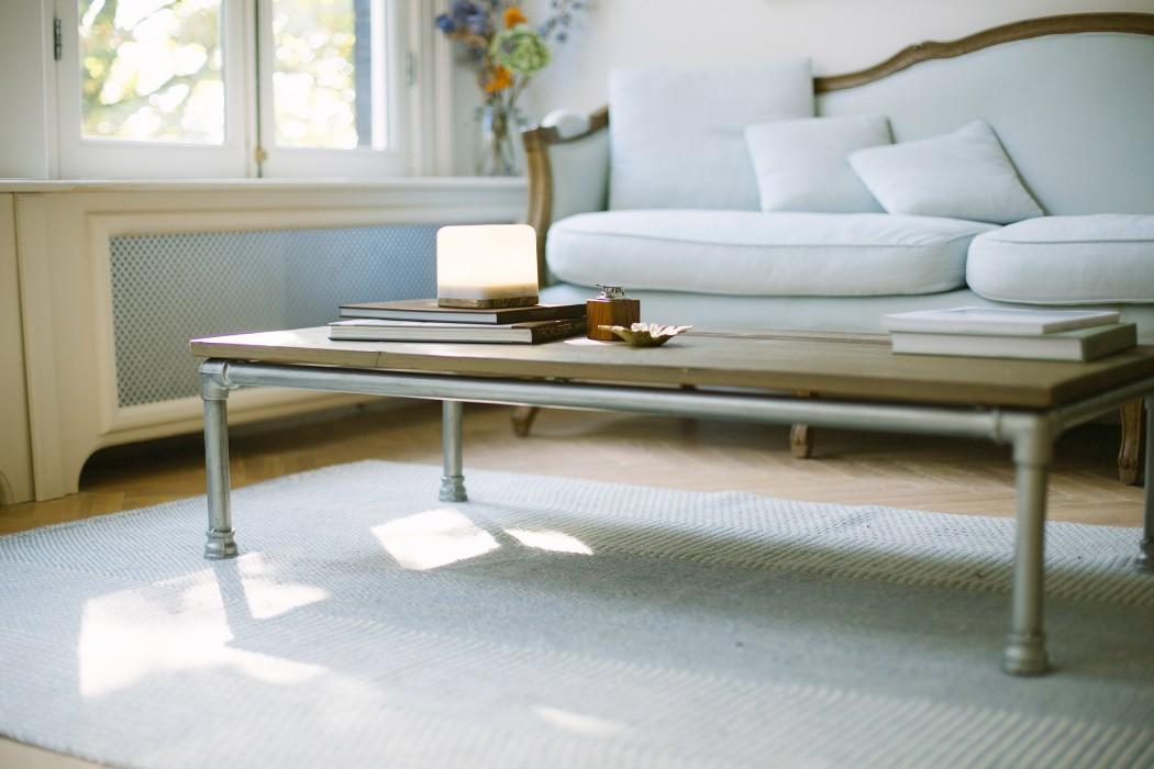 lucis-wireless-lamp-livingroom