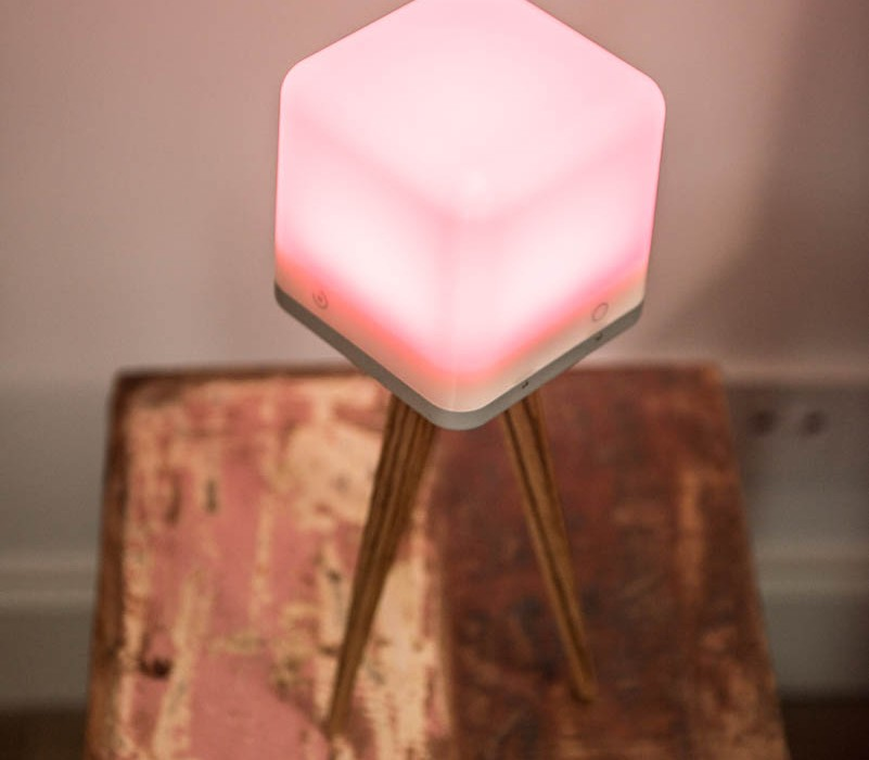lucis-lamp-table-1