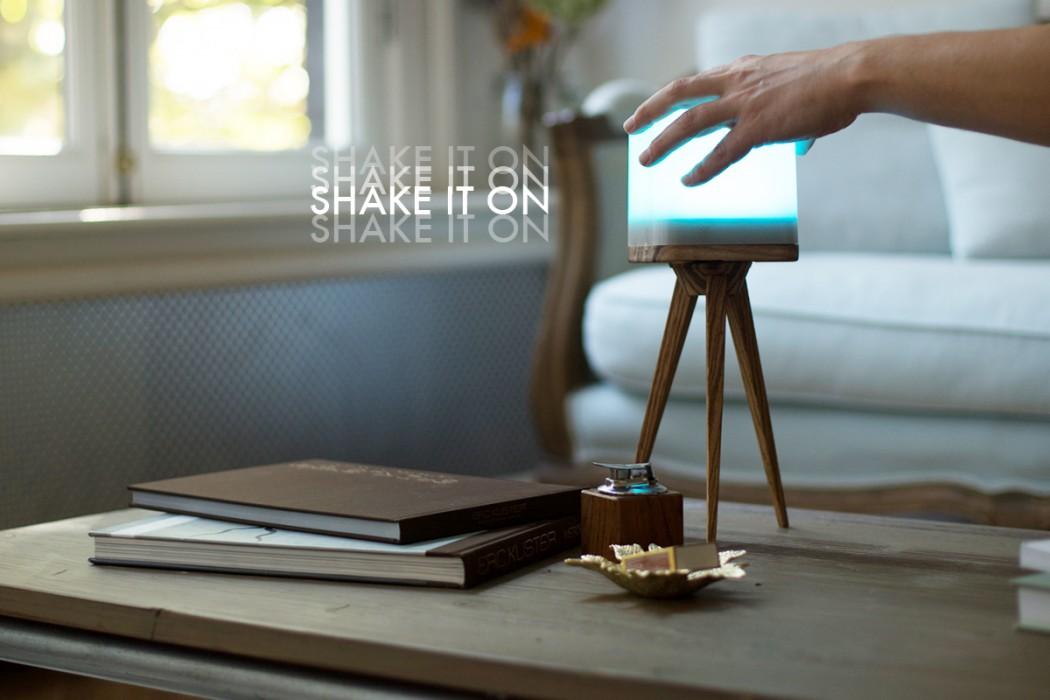 lucis_wireless_lamp_shake3