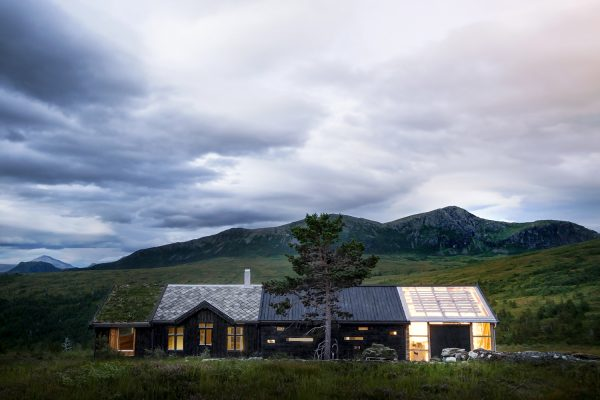 Cabin at Troll's Peak / Rever & Drage Architects