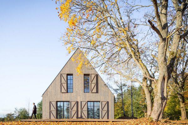 Lakeside Villa by Aketuri Architektai