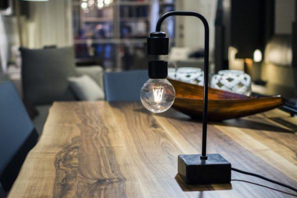 Levia – Unique levitating marble lamp