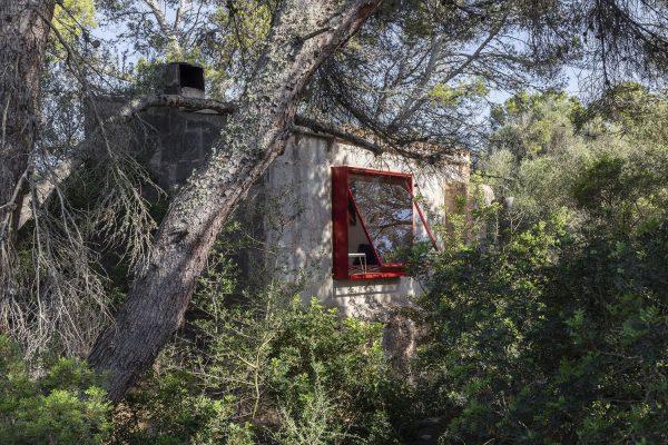 12VoltRetreat Refuge designed by Mariana de Delás