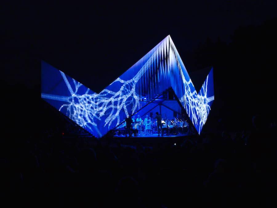 11_Nature-Concert-Hall-900x675