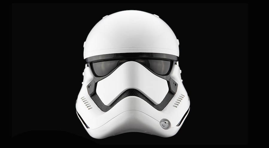 StormTrooper-Helmet-1-900x497