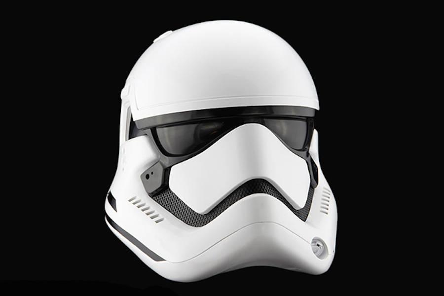 StormTrooper-Helmet-4-900x600