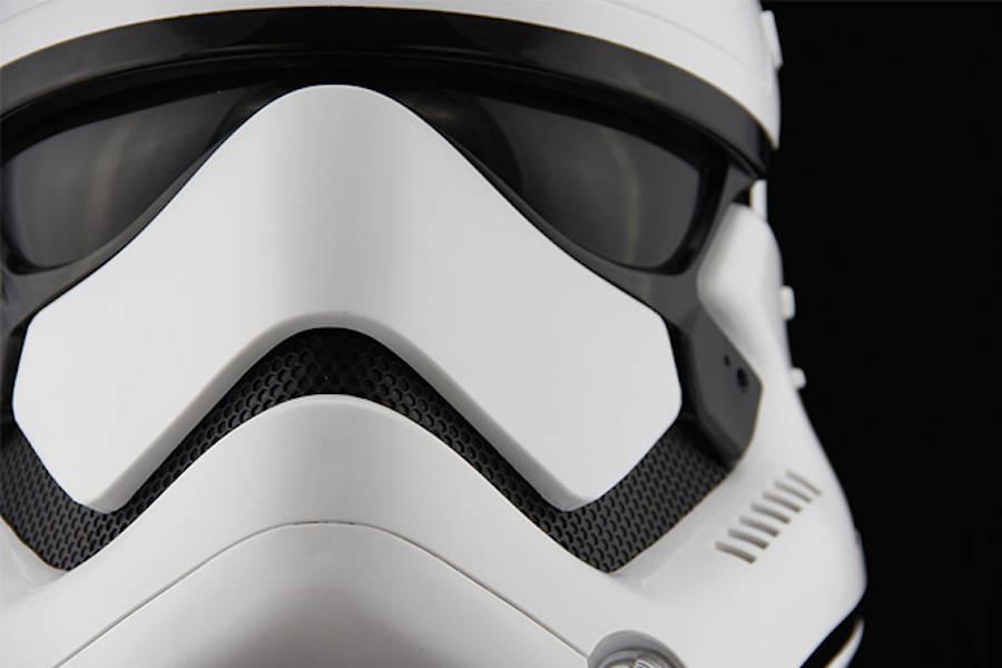 StormTrooper-Helmet-6-900x600