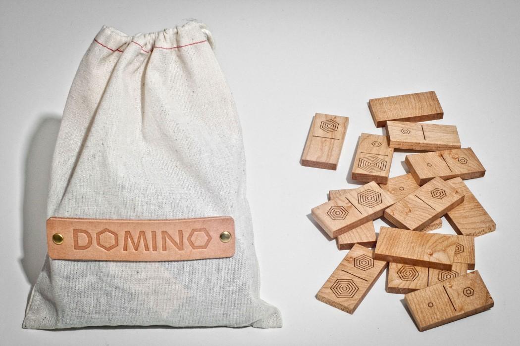 DOMINO-2000-12