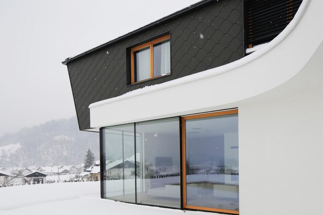 house-rožnik-exterior-2