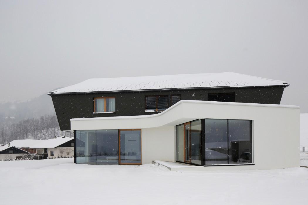 house-rožnik-exterior-5