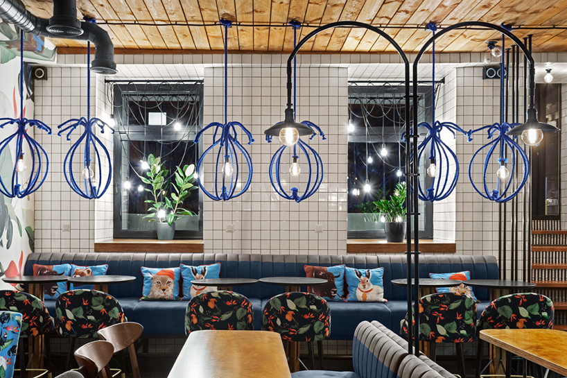 blue-cup-coffee-shop-kleydesign-studio-kiev-ulkraine-designboom-02