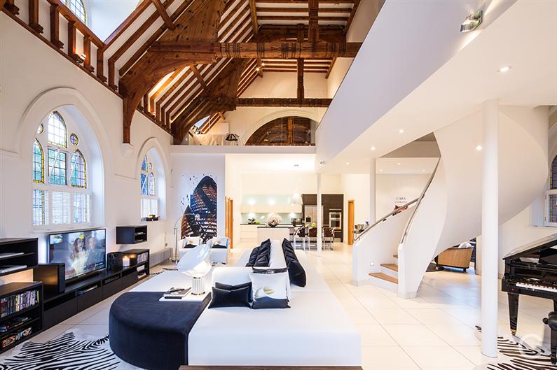 Luxury-Residence-Gianna-Camilotti-www.homeworlddesign.com-1