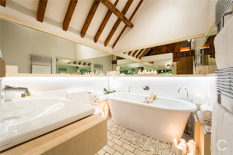 Luxury-Residence-Gianna-Camilotti-www.homeworlddesign.com_