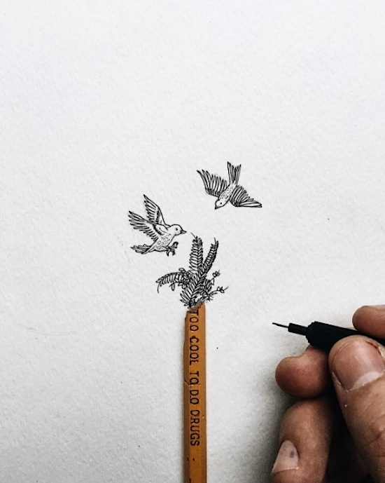 Pencil_Top_Drawings_Detailed_Micro_Illustrations_That_Seem_To_Balance_On_Pencil_Tips_2016_03