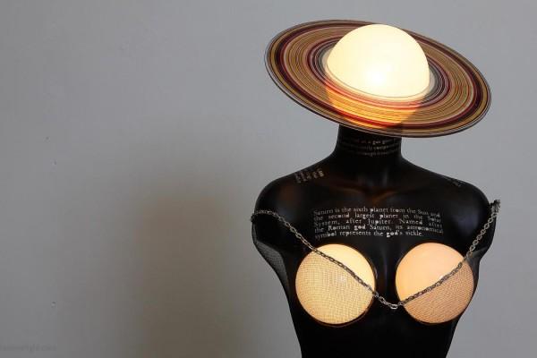 femme-saturne-by-roumelight-HEADER
