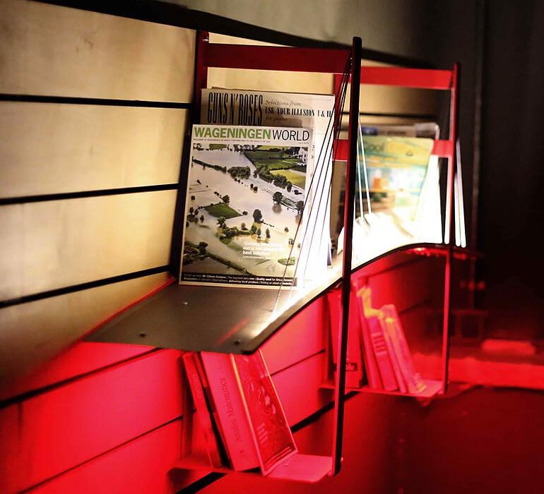 lightbridge-bookshelf-by-roumelight-GRID1